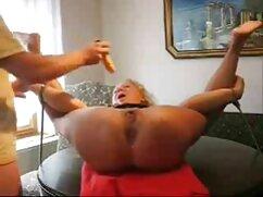 Pulcino Blondie giocando con lei micio video di eva henger porno