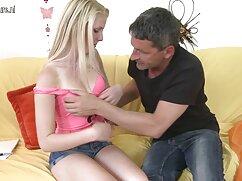 Teen stuzzicare Karen dà video hard donne mature un pompino