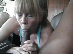 Isabella riempie dildo anziane hard anale e frullati
