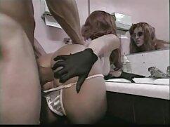 Splendida MILF bionda Cherie sesso con animali hard Deville sculacciato duro