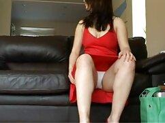 - Hot Latina Katia sesso con animali hard trova il cazzo in scatola