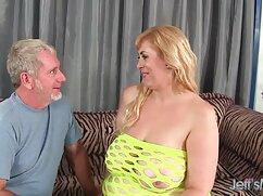 Casalinga succhiare nudo festa della donna hard